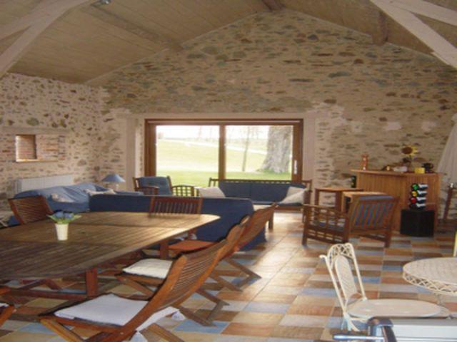 Huis met stallen en zwembad te koop limousin frankrijk for Te koop inbouw zwembad