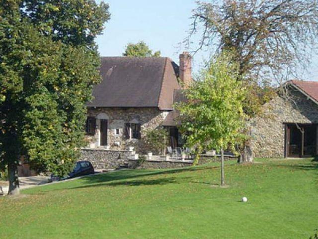 Huis met stallen en zwembad te koop limousin frankrijk for Huizen te koop frankrijk