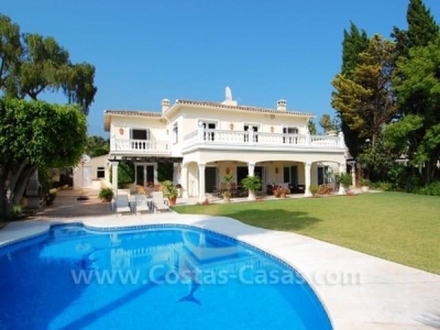 Frontline golf luxury villa for sale Nueva Andalucia Marbella