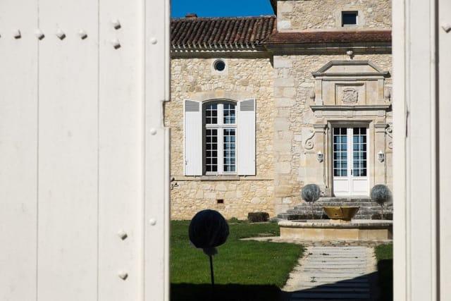 Chateau with vineyard for sale Lot et Garonne, France
