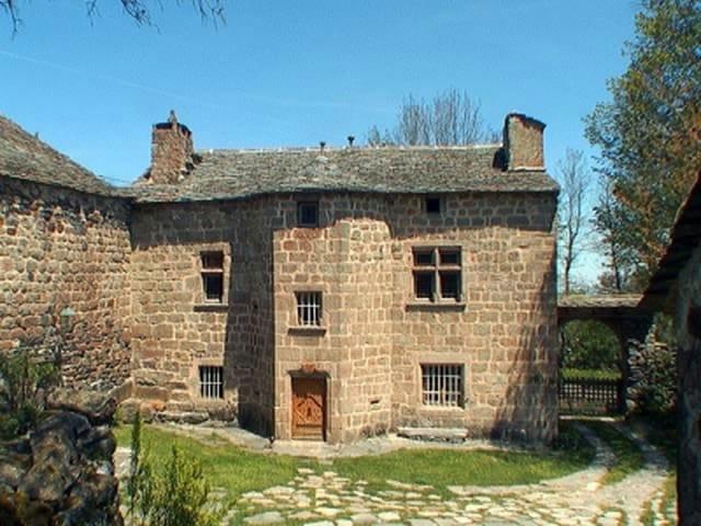 Karakteristieke Gewelfde Plafonds : Frankrijk karakteristiek huis te koop haute loire auvergne moulin