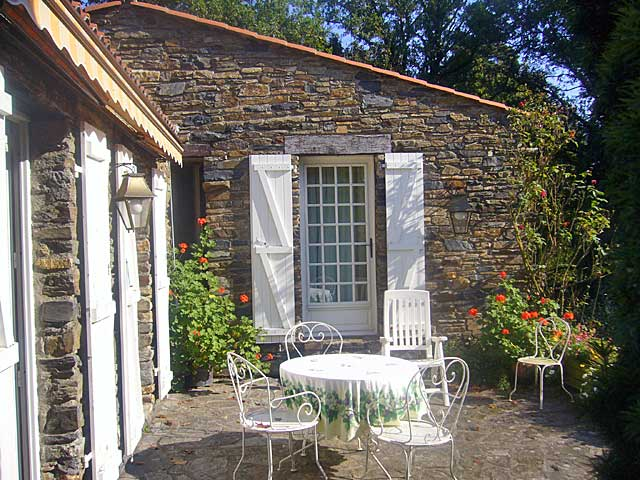 Vendee water mill on riverside for sale france moulin for 11242 mill place terrace