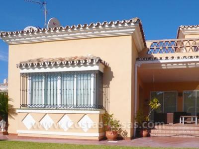 Vrijstaande beachside villa te koop nabij strand oost marbella moulin - Decoratie hoofdslaapkamer ...