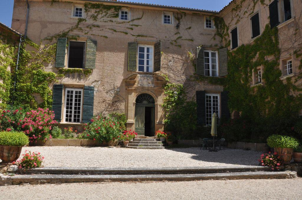 Chateau vineyards for sale bouches du rhone provence france moulin