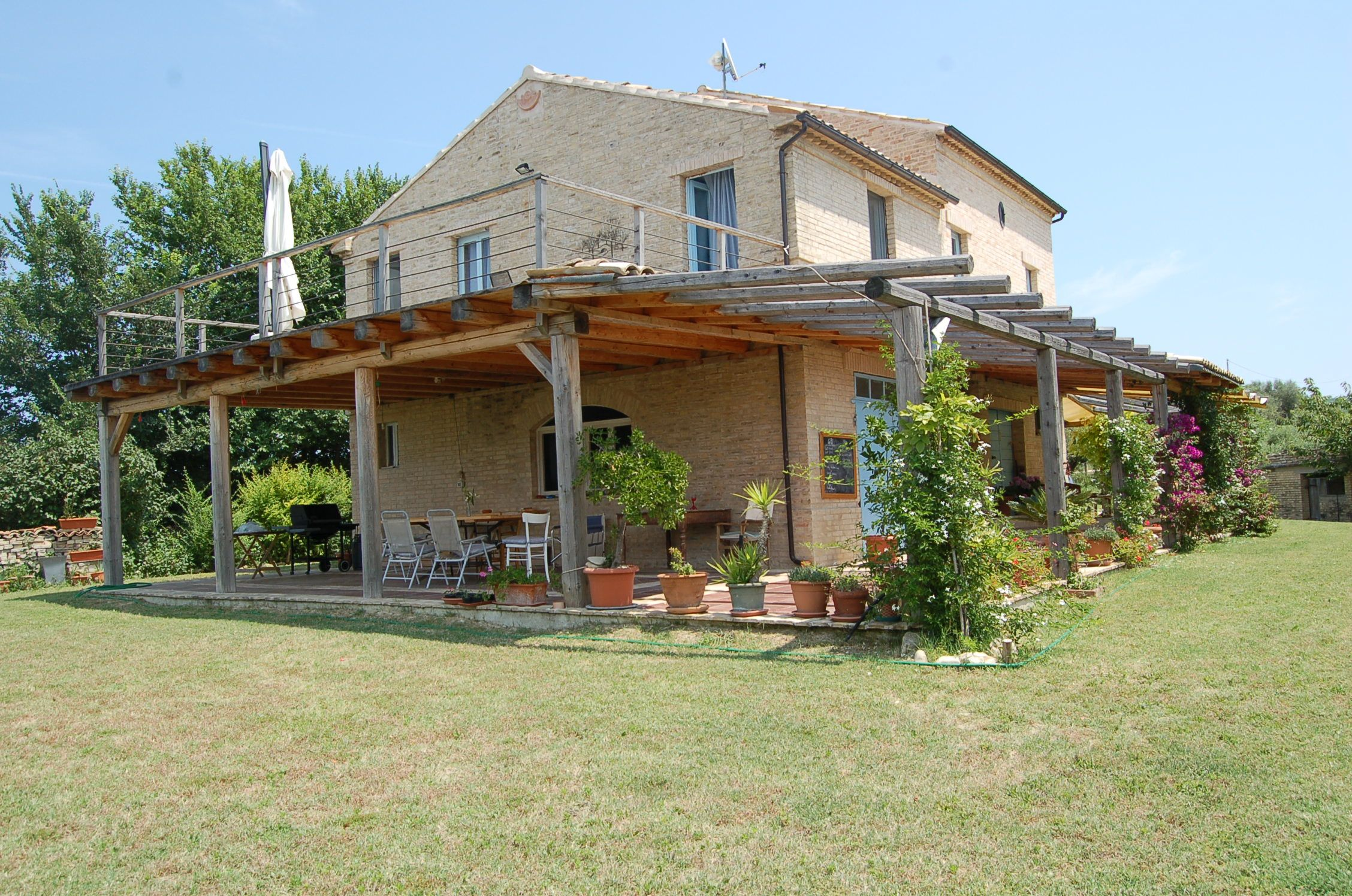 Farm House With Land For Sale In Petritoli Le Marche Moulin