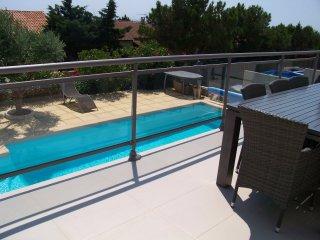 A vendre villa t5 sausset les pins vue mer avec piscine for Camping cote bleue avec piscine