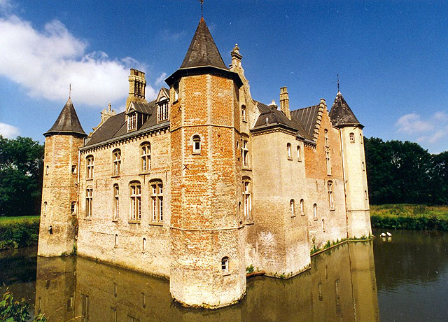 Calais France  city photos : Moated castle for sale Pas de Calais, France | Moulin
