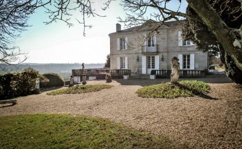 maison de maitre with pool for sale near bordeaux gironde