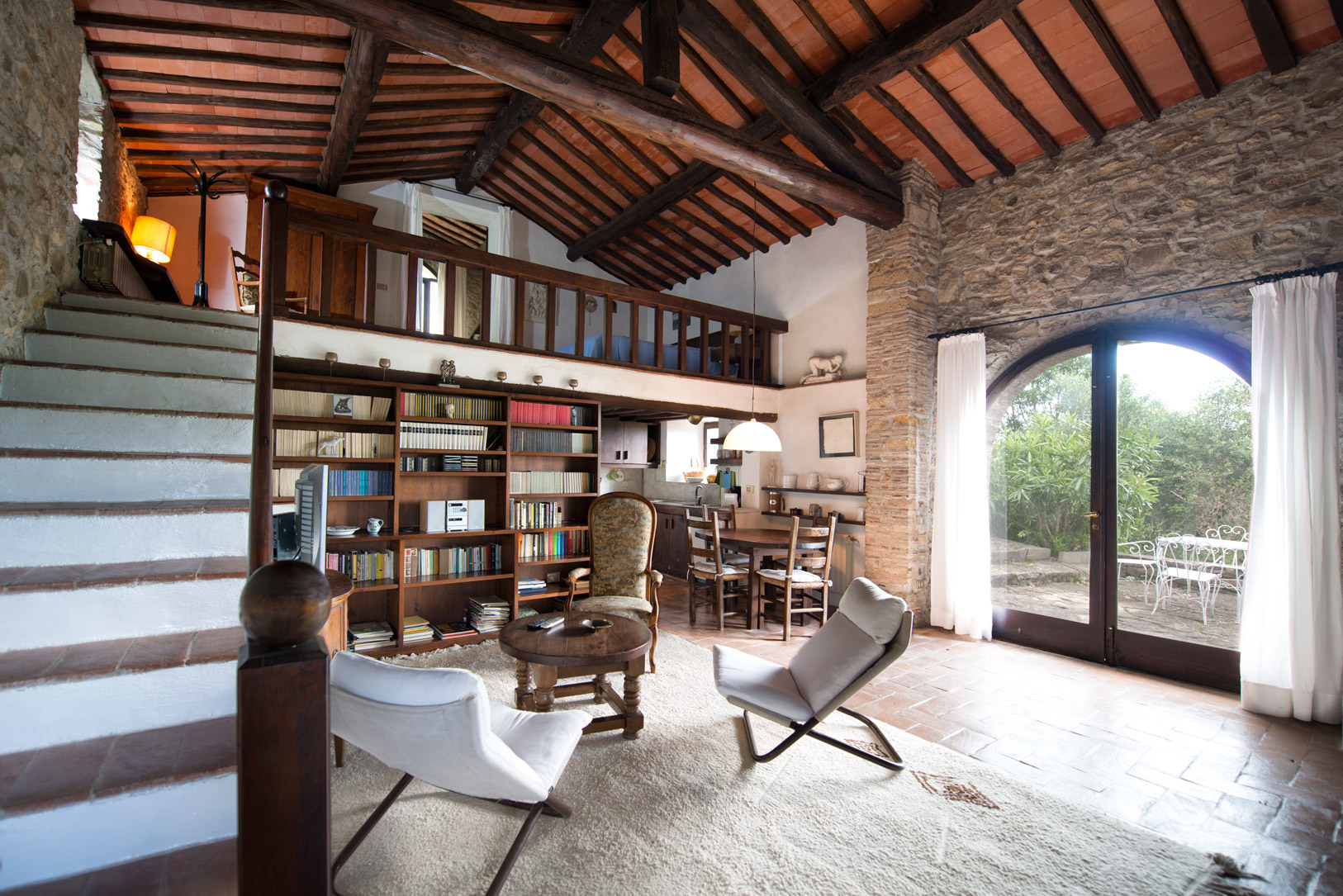 Vente maison de campagne avec piscine pres de firenze en for Acheter une maison en toscane