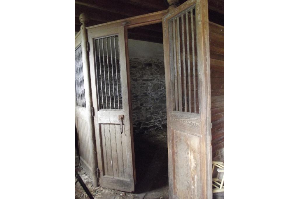 a vendre manoir au coeur dun parc bois233 de 7 hectares