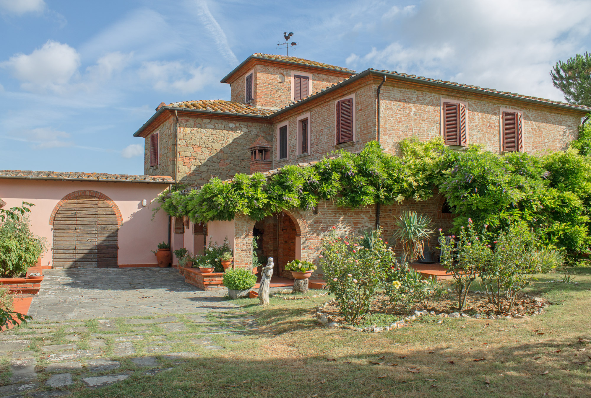 Farmhouse with pool for sale in tuscany quot la leopolda quot moulin
