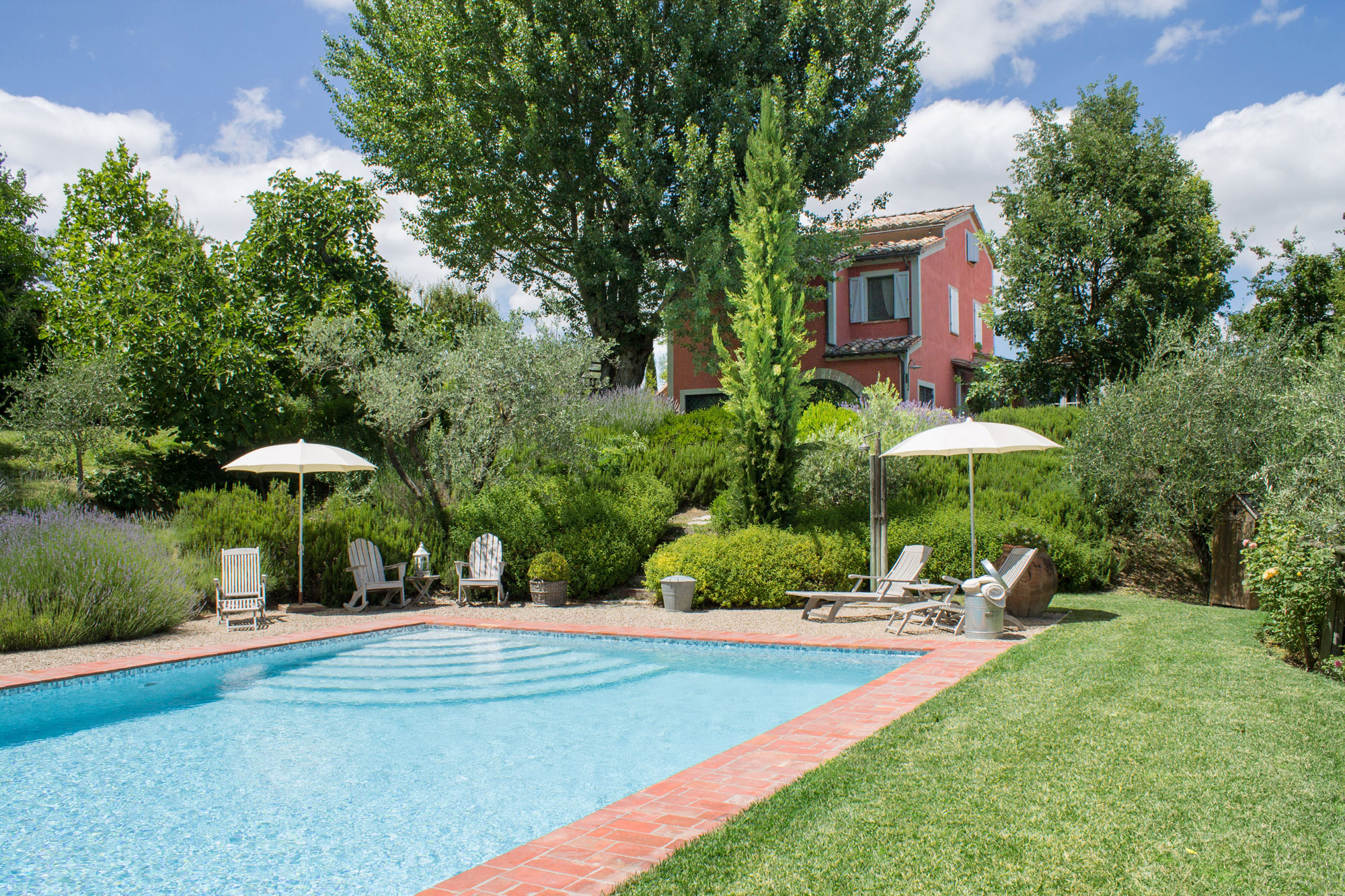 Restored farmhouse with swimming pool for sale in for Farmhouse with swimming pool