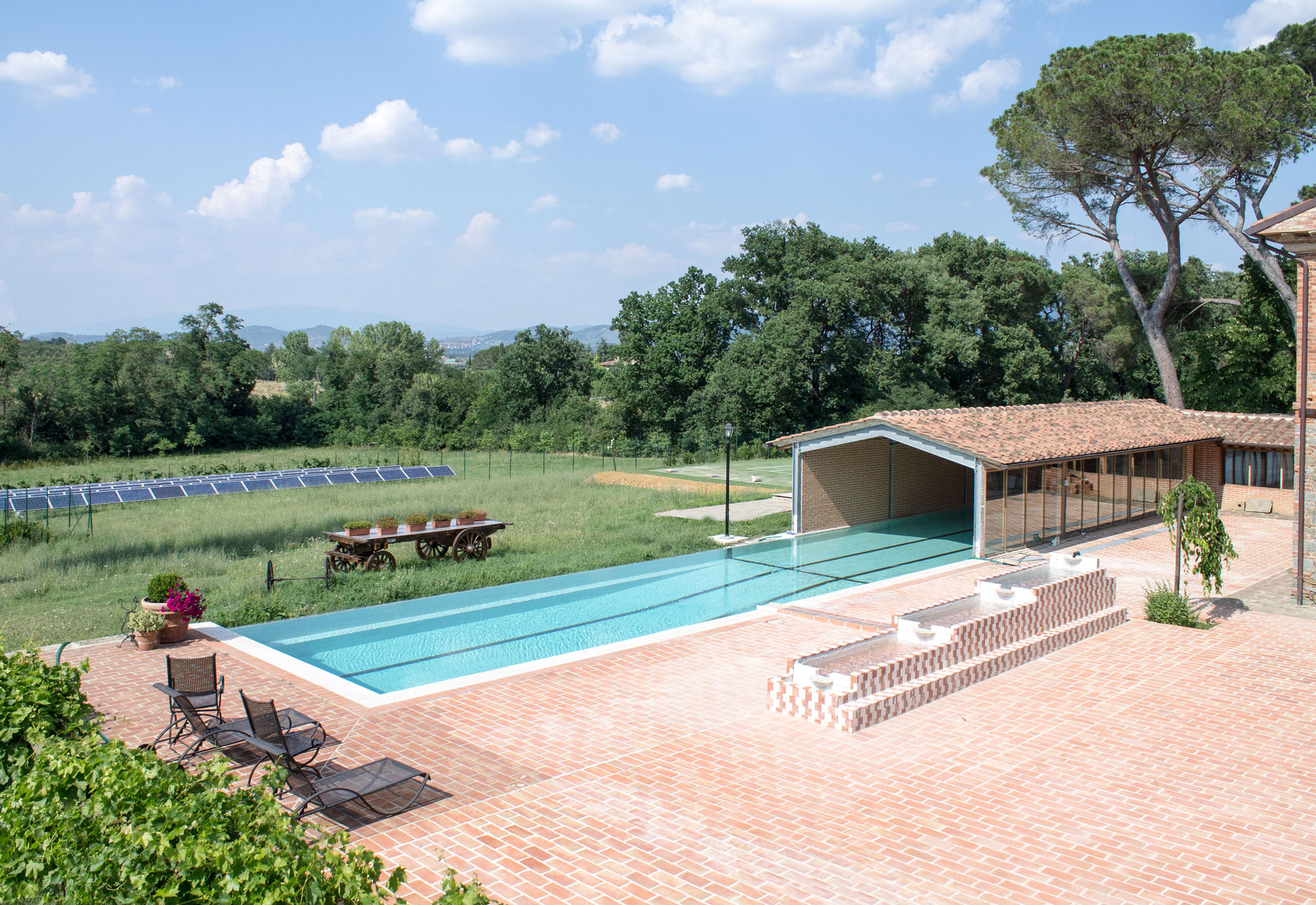 Historic mansion with swimming pool for sale near arezzo for Mansion with pool for sale