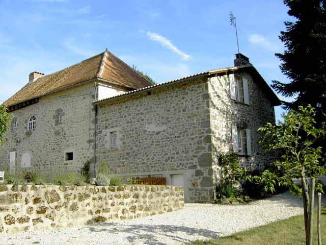 Huis met vijvers op 5 ha te koop dordogne frankrijk moulin for Huizen te koop frankrijk