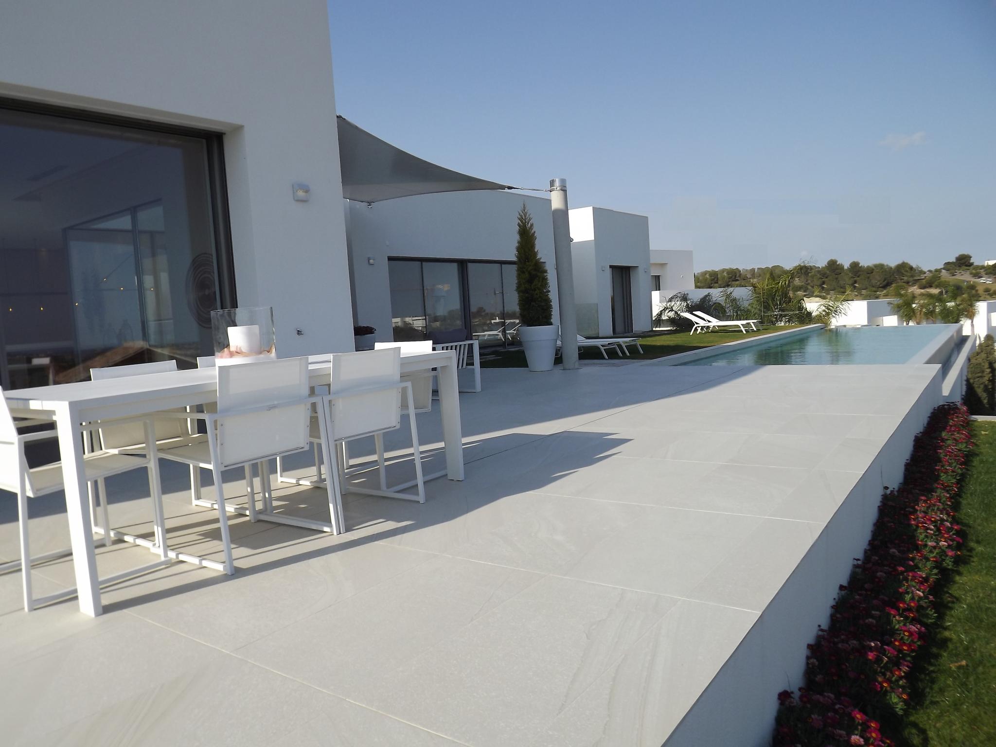 Nieuwbouw villa met zwembad te koop costa blanca spanje for Te koop inbouw zwembad