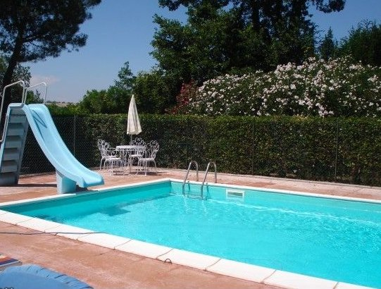 Farmhouse for sale in le marche with swimming pool and wonderful sea view in civitanova marche Red house hotel swimming pool