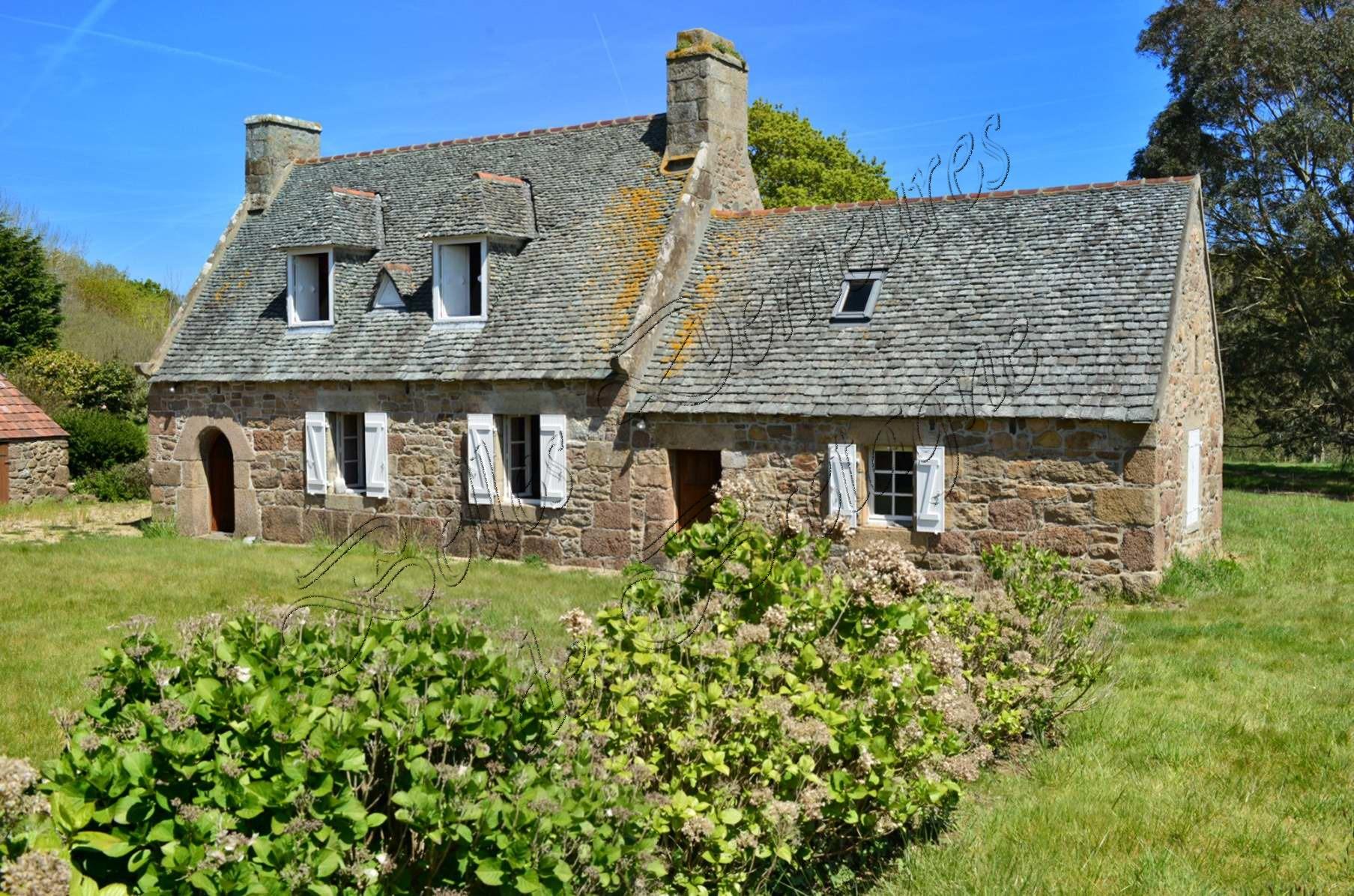 Te Koop Een Set Van Huizen Bij Zee Granit Rose Kust Cotes Darmor Bretagne Moulin