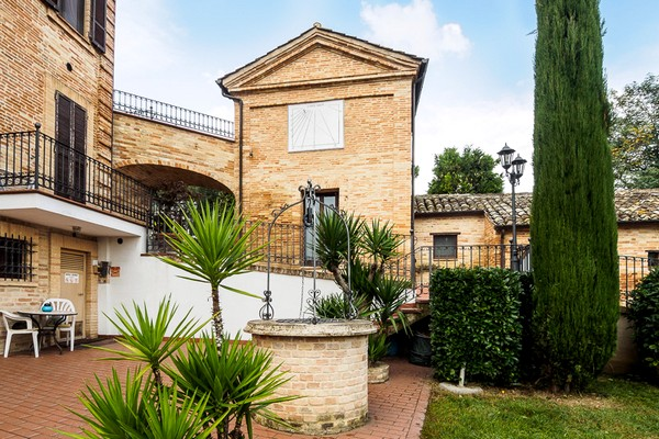 Продам недвижимость италия