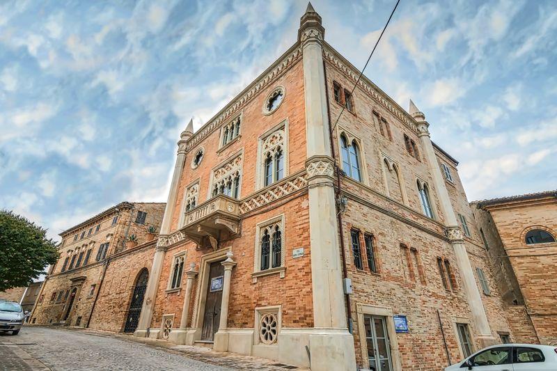 Venetian Gothic venetian gothic style palazzo near fermo, le marche | moulin