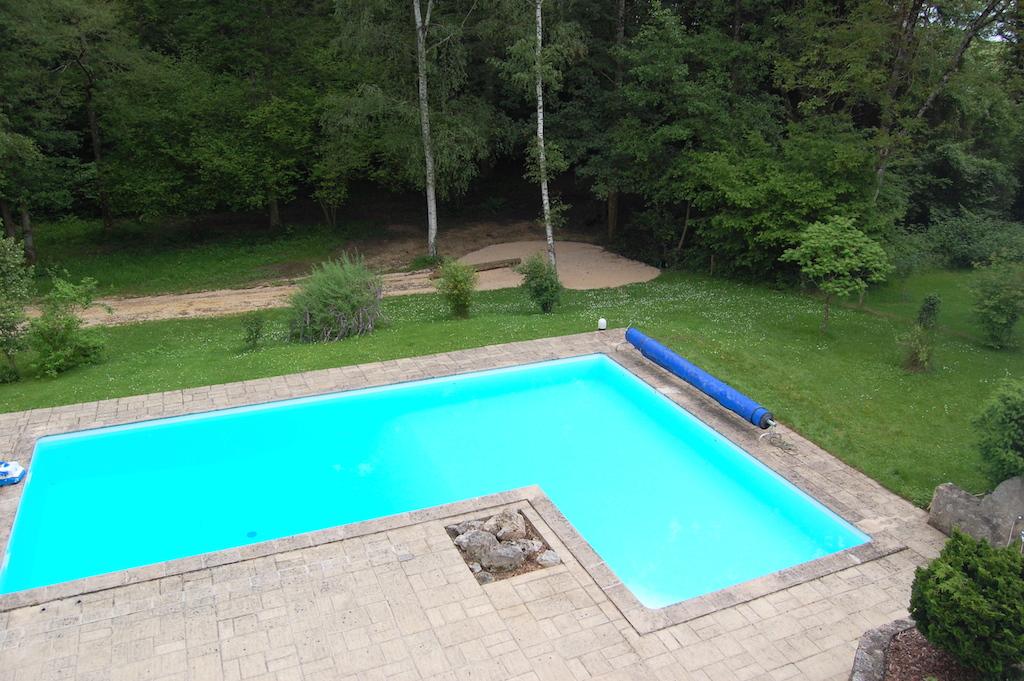 Boerderij met zwembad op 2 ha te koop loir et cher for Te koop inbouw zwembad