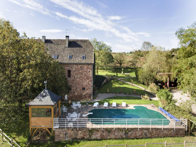Beautiful CONQUES   AVEYRON Superb Property Of Three Houses; Swimming Pool, Outdoor  Jacuzzi On 1ha Of Land.   Moulin