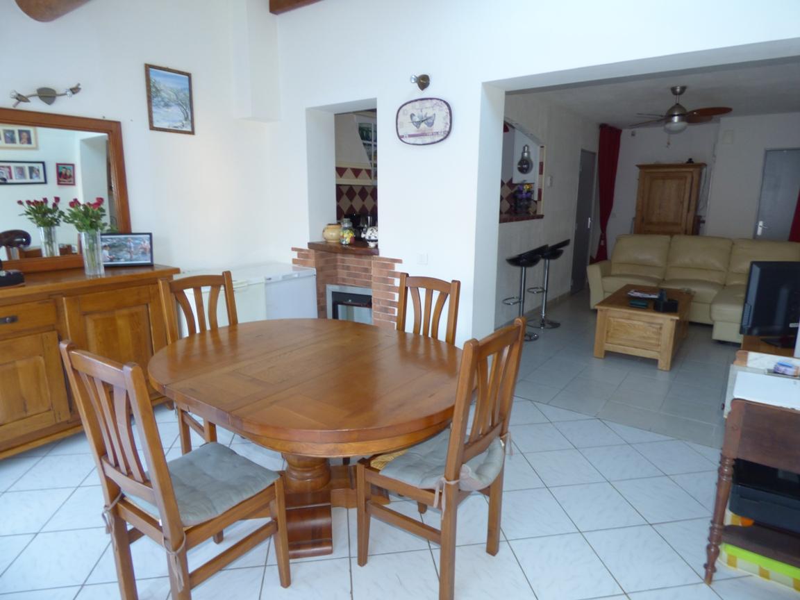 A vendre maison t3 avec jardin salon de provence moulin for Maison salon de provence