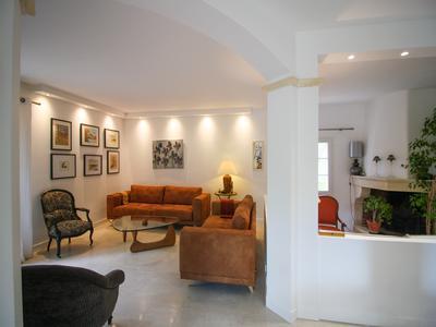 Maison moderne avec piscine à vendre dans quartier calme. Drôme | Moulin