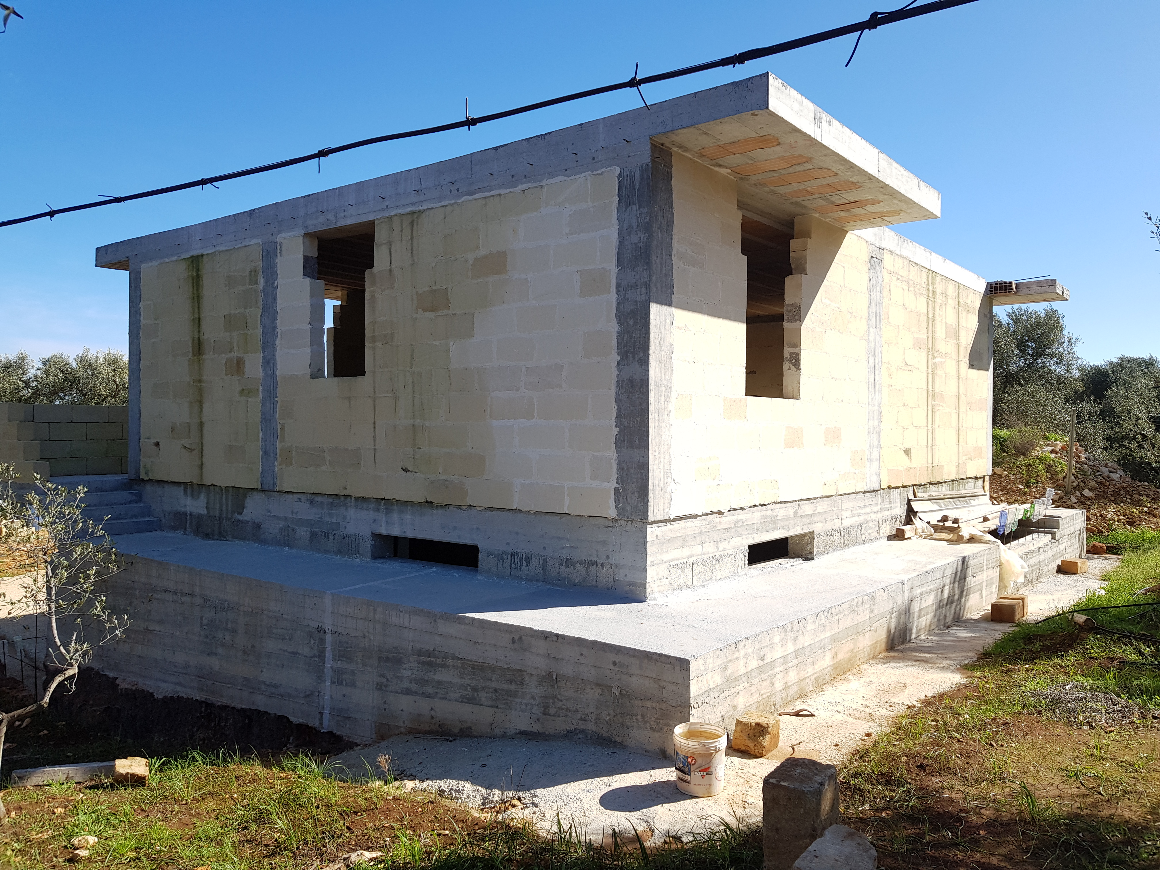 Sea view villa under construction carovigno apulia moulin for Construction villa