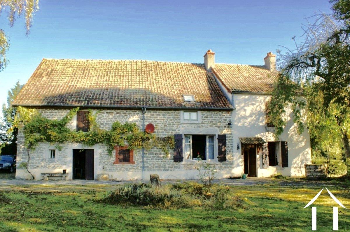 Maison De Caractere Avec Beau Jardin Moulin