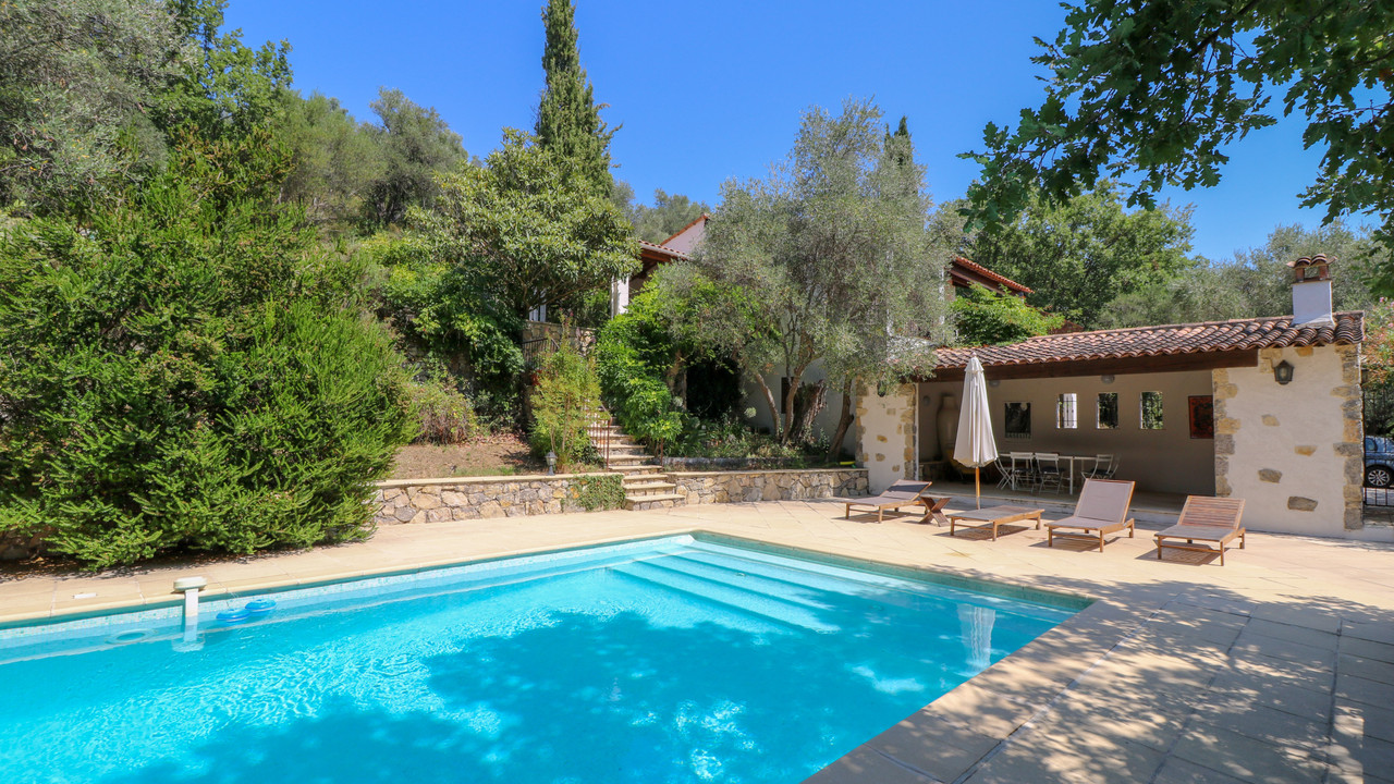 Stunning Villa For Sale With Pool Pool House And Views Var Moulin